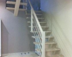 Escalier sur mesure - lazuré